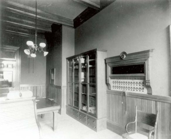 Messenger's Office 1894